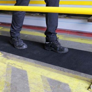 Anti-Slip-Safety-Roll-Tape-tn