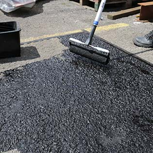 tarmac-asphalt-restorer-tn